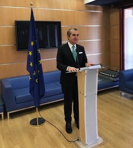 Juan-Ignacio-Navas-presentando-Queja-ante-la-Comisión-Europea-contra-el-Reino-de-España-Navas-&-Cusí-Abogados